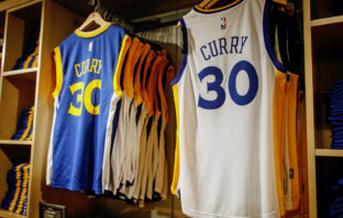 Golden State Warriors' Curry trøjer